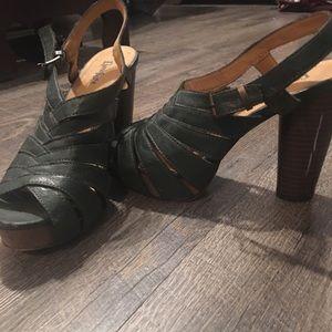 Shoes, chunky heel